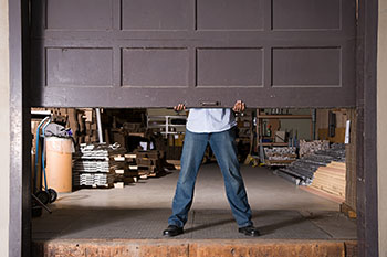 State Garage Door Repair Service Milwaukee, WI 262-314-4476